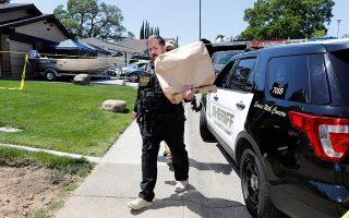 Ακόμα και τα σκουπίδια του Ντι Αντζελο έψαχνε η αστυνομία προκειμένου να συλλέξει δείγματα DNA. Eτσι κατάφερε να βρει τα ίχνη του στυγερού βιαστή και δολοφόνου.