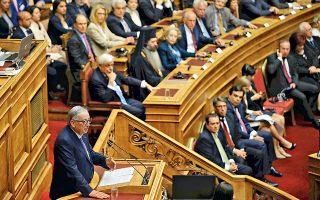 Στη δήλωση του επικεφαλής της Κομισιόν, Ζαν-Κλοντ Γιούνκερ, ότι θεωρεί την Ελλάδα δεύτερη πατρίδα του, αντικατοπτρίζεται η θερμότητα με την οποία έγινε δεκτός χθες στην Αθήνα. Ο ίδιος εμφανίστηκε βέβαιος για την επιτυχή υλοποίηση του προγράμματος, κάλεσε σε ταχεία ολοκλήρωση της τέταρτης αξιολόγησης και ζήτησε συνέπεια από τους εταίρους αναφορικά με τη μείωση του χρέους. Ο κ. Τσίπρας από την πλευρά του διαβεβαίωσε για τη βούληση συνέχισης και εμβάθυνσης των μεταρρυθμίσεων, ενώ απέκρουσε το ενδεχόμενο νέων μέτρων λιτότητας.