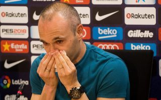 epa06696788 FC Barcelona's Spanish midfielder Andres Iniesta during a press conference to announce his departure from the Spanish club by the end of the season, at Joan Gamper sports city in Barcelona, northeastern Spain, 27 April 2018.  EPA/Enric Fontcuberta