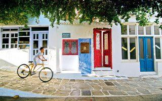 Απογευματινή ποδηλατάδα στη Χώρα ή Μεσσαριά. (Φωτογραφία: ©  ΚΛΑΙΡΗ ΜΟΥΣΤΑΦΕΛΛΟΥ)