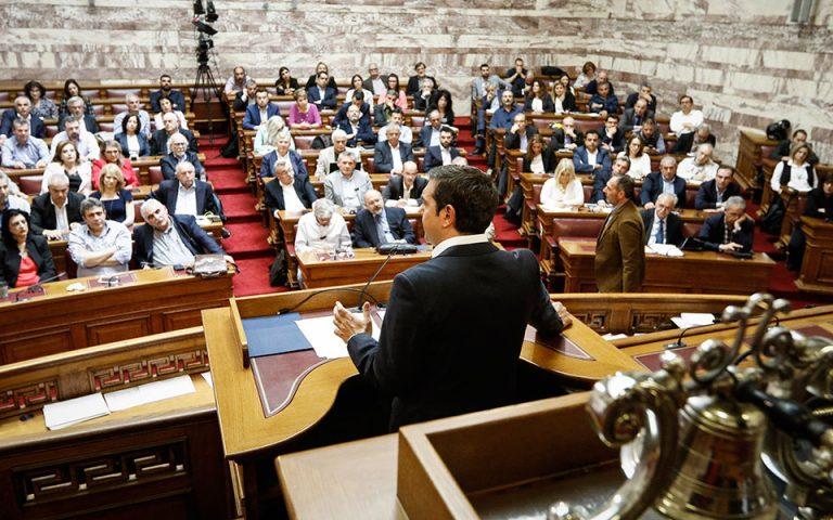 Ενστάσεις σε τρία «μέτωπα» από βουλευτές ΣΥΡΙΖΑ