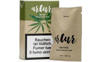 Τα δύο προϊόντα  πωλούνται δίπλα στα τσιγάρα και τα πούρα στα ταμεία.