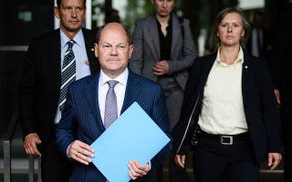 Ο Γερμανός υπουργός Οικονομικών Ολαφ Σολτς παρουσιάζει τον προϋπολογισμό του 2018.