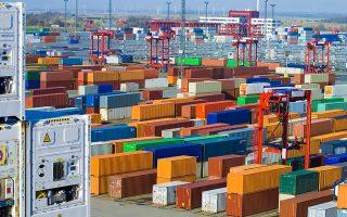 Σε μείζον πρόβλημα μπορεί να εξελιχθεί η κλιμάκωση των εμπορικών διενέξεων μεταξύ ΗΠΑ και Ε.Ε., διότι ο προστατευτισμός μπορεί να προκαλέσει μεγάλες ανατροπές στις συναλλαγές των επιχειρήσεων ένθεν κακείθεν του Ατλαντικού.