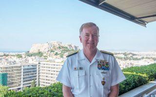 """«Οταν οι εντάσεις ανεβαίνουν, όταν από τη μια ή την άλλη πλευρά έρχονται σε μένα και εκφράζουν αγωνία, τους λέω """"είμαστε δυνατότεροι μαζί""""», λέει στην «Κ» ο ναύαρχος Τζέιμς Φόγκο, διοικητής της Διακλαδικής Διοίκησης Συμμαχικών Δυνάμεων Νεάπολης και των Ναυτικών Δυνάμεων Ευρώπης και Αφρικής των ΗΠΑ."""