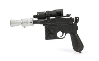 se-timi-rekor-anamenetai-na-polithei-to-xylino-pistoli-leizer-toy-chan-solo-2251737