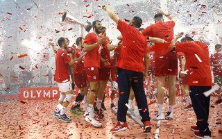 Τέσσερα χρόνια μετά την τελευταία κατάκτηση του πρωταθλήματος, ο Ολυμπιακός πανηγύρισε ξανά.