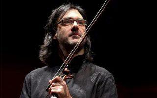 Ο Λεωνίδας Καβάκος ολοκληρώνει τη φετινή συνεργασία του με την Κρατική Ορχήστρα Αθηνών.