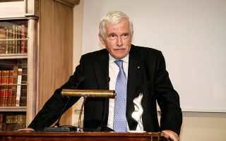 Ο Παναγιώτης Λασκαρίδης βραβεύθηκε για τη συνολική του προσφορά και δράση στον χώρο.