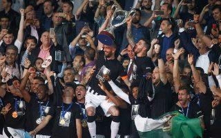 Ο ΠΑΟΚ πανηγύρισε ακόμη ένα Κύπελλο και έκλεισε με χαμόγελα αλλά και υποσχέσεις μια επεισοδιακή χρονιά.