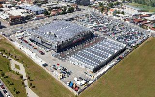 Στα εργοστάσια της Fiat στο Τορίνο και στη Νάπολη θα διακοπεί η παραγωγή μοντέλων ευρείας κατανάλωσης, όπως είναι τα Punto και Mito. Αντ' αυτών, θα κατασκευάζονται εκεί πιο ακριβά και πολυτελή μοντέλα, όπως οι Maserati και τα Jeep SUV.