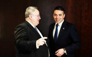 Οι υπουργοί Εξωτερικών Νίκος Κοτζιάς και Νίκολα Ντιμιτρόφ συζήτησαν για ακόμη μία φορά χθες στην Αθήνα.