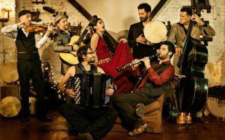 Μουσική βραδιά με τους Barcelona Gipsy Balkan Orchestra.