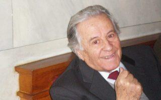 Ο Μιχάλης Σταφυλάς έφυγε από τη ζωή σε ηλικία 98 ετών.