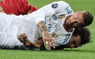 Ο τραυματισμός του Σαλάχ στη φάση με τον Ράμος δεν φαίνεται να κρατάει τον Αιγύπτιο άσο εκτός Παγκοσμίου Κυπέλλου, όμως το περιστατικό έφερε αγωγή από δικηγόρο, ο οποίος ζητεί το ποσό του ενός δισ. ευρώ...