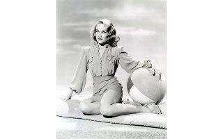 Η Κόνστανς Ντόουλινγκ ως pin-up girl της δεκαετίας του '40, λίγα χρόνια προτού γνωρίσει και ερωτευθεί τον Τσέζαρε Παβέζε στην Ιταλία.