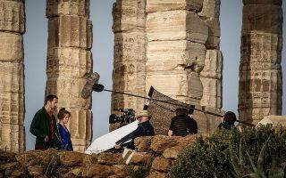 Γυρίσματα της τηλεοπτικής σειράς «Little Drummer Girl» στον αρχαιολογικό χώρο του Σουνίου τον περασμένο Απρίλιο.