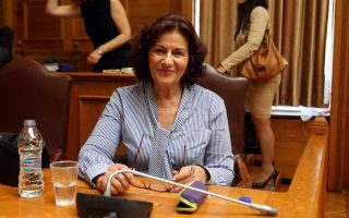 Η αναπληρώτρια υπουργός Εργασίας Κοινωνικής Ασφάλισης και Κοινωνικής Αλληλεγγύης  αρμόδια για την Κοινωνική Αλληλεγγύη Θεανώ Φωτίου στη σημερινή συνεδρίαση της Διαρκούς Επιτροπής Κοινωνικών Υποθέσεων  με θέμα ημερήσιας διάταξης