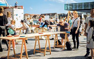 Υποδεχτείτε το καλοκαίρι στον δημόσιο αστικό χώρο Kvaesthusmole. (Φωτογραφία: © Rasmus Flindt Pedersen)