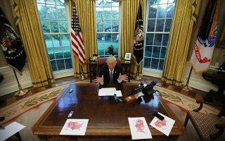 Κλιματική αλλαγή, Ιράν, εμπορικές συμφωνίες – ο Αμερικανός πρόεδρος δείχνει αποφασισμένος να ανατρέψει παντού τη λογική της πολυμερούς συνεργασίας.
