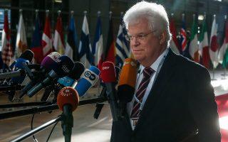 «Δεν μπορούμε να μιλάμε για ψυχρότητα στις σχέσεις Αθήνας - Μόσχας», λέει ο μόνιμος αντιπρόσωπος της Ρωσίας στην Ε.Ε. Βλαντιμίρ Τσιζόφ.