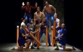 Σωματικό θέατρο από την Ουγγαρία στο διεθνές φεστιβάλ Δάσους στη Θεσσαλονίκη.