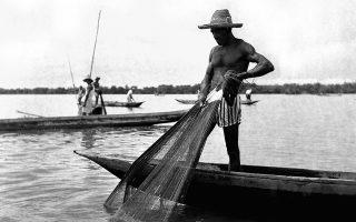 Ο Λέο Ματίς και ο Γκαμπριέλ Γκαρσία Μάρκες κατάφεραν, σε διαφορετικούς χρόνους, να αποδώσουν τη φτώχεια, τις δυσκολίες της ζωής, αλλά ταυτόχρονα και την ομορφιά της κοινής προσπάθειας επιβίωσης.