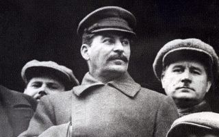 Στάλιν: ηγέτης με σιδηρά πυγμή, που από ασήμαντος επαναστάτης έγινε ένας από τους πιο ισχυρούς ανθρώπους της Ιστορίας.
