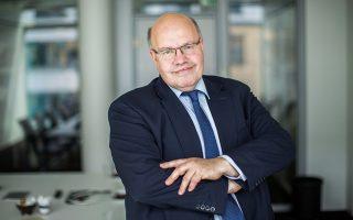 Ο Γερμανός υπουργός Οικονομίας Πέτερ Αλτμάιερ είχε δηλώσει την Τρίτη ότι η κυβέρνηση επιμένει στην πρόβλεψη για ενίσχυση της οικονομίας κατά 2,3% το 2018.