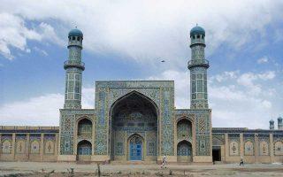 Ανάμεσα στα αξιοθέατα του Αφγανιστάν που προσελκύουν δυτικούς τουρίστες είναι και το Μέγα Τέμενος στο Χεράτ.