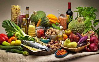 Πλούσια σε φυτικές ίνες, φτωχή σε λιπαρά, με άφθονους ξηρούς καρπούς, η μεσογειακή δίαιτα έχει επικρατήσει σε όλο τον κόσμο.