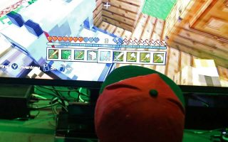Επισκέπτες της έκθεσης ηλεκτρονικών παιχνιδιών EXG Gaming Conference στο Λονδίνο.
