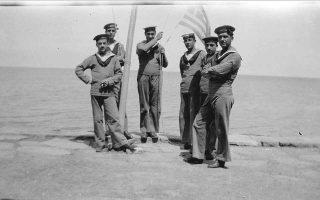 Πεζοναύτες στην Προποντίδα το 1921. Στο κέντρο, ο Στέργιος Στεργίου.