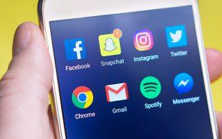 klonizetai-i-kyriarchia-toy-facebook-poia-social-media-protimoyn-oi-efivoi-stin-ameriki0