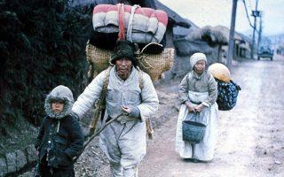 Πρόσφυγες εγκαταλείπουν την εστία τους κατά τη διάρκεια του πολέμου , 1 Μαρτίου 1951, Ινστιτούτο Κορεατικής Ιστορίας.
