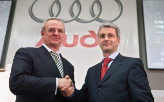 Δεξιά, ο πρόεδρος και διευθύνων σύμβουλος της αυτοκινητοβιομηχανίας Audi