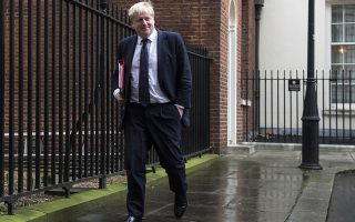 epa06467524 British Foreign Secretary, Boris Johnson leaves 10 Downing street after a Cabinet meeting, in London, Britain, 23 January 2018.  EPA/WILL OLIVER