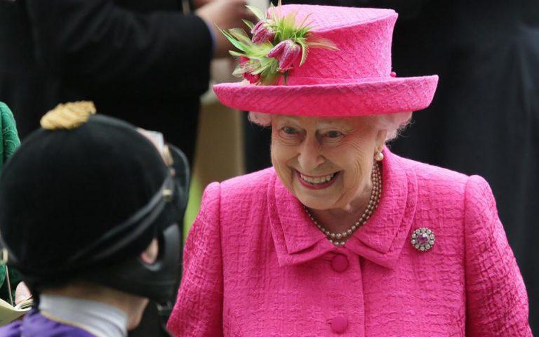 Σε επέμβαση για αφαίρεση καταρράκτη υποβλήθηκε η βασίλισσα Ελισάβετ