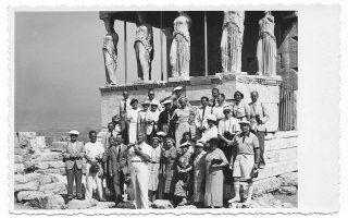 29-chamogela-stin-akropoli0