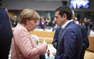 Ο πρωθυπουργός Αλέξης Τσίπρας (Δ) συνομιλεί με την καγκελάριο της Γερμανίας, Άνγκελα Μέρκελ (Α), στη Σύνοδο Κορυφής των ηγετών των κρατών- μελών της Ευρωπαϊκής Ένωσης, που πραγματοποιείται στις Βρυξέλλες, Πέμπτη 22 Μαρτίου 2018. ΑΠΕ-ΜΠΕ/CONSILIUM.EUROPA.EU/Mario Salerno