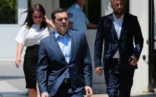 Ο πρωθυπουργός, Αλέξης Τσίπρας, προσέρχεται  στο Προεδρικό Μέγαρο, προκειμένου να ενημερώσει τον Πρόεδρο της Δημοκρατίας, Προκόπη Παυλόπουλο, για την απόφαση του χθεσινού Eurogroup για το ελληνικό χρέος,  Παρασκευή 22 Ιουνίου 2018. ΑΠΕ-ΜΠΕ/ΑΠΕ-ΜΠΕ/Παντελής Σαίτας