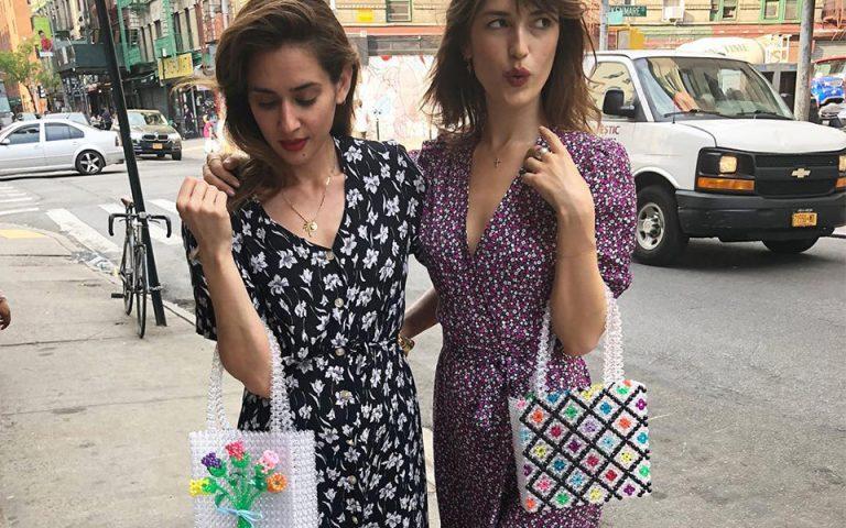 Αυτή η ρετρό τσάντα είναι η νέα εμμονή των fashion girls
