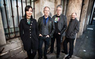 Kronos Quartet: από τα πλέον διάσημα σήμερα σχήματα εγχόρδων, τα οποία ξεφεύγουν από τα καθιερωμένα, ερμηνεύοντας έργα από μια ευρεία γκάμα τεχνοτροπιών και παραδόσεων.