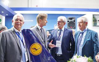 Φωτογραφία: Από αριστερά Κωστής Αχλαδίτης διευθύνων σύμβουλος Golden Cargo, Peter Gerber Chairman and CEO της Lufthansa Cargo, Θεόδωρος Βενιάμης Chairman της Golden Union,  Μιχάλης Βενιάμης director της Golden Union