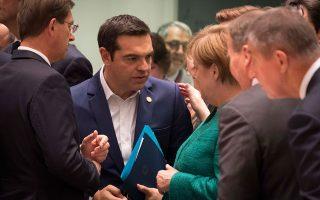 Ο Αλέξης Τσίπρας με την Αγκελα Μέρκελ και άλλους Ευρωπαίους ηγέτες στην κρίσιμη Σύνοδο Κορυφής της προηγούμενης Πέμπτης, στις Βρυξέλλες. Οι εξελίξεις στην Αθήνα, είναι πολύ πιθανόν να οδηγήσουν τον πρωθυπουργό σε εκλογές τον Μάιο του 2019, ταυτόχρονα με τις ευρωεκλογές.