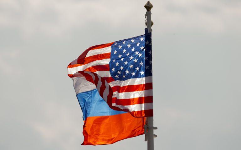 H Ρωσία εξετάζει να αυξήσει τους δασμούς στα αμερικανικά αυτοκίνητα