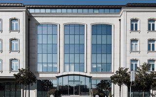 Τον Μάιο, η εταιρεία Yildiz Holding, η οποία είναι ιδιοκτήτρια, μεταξύ άλλων, των σοκολατών Godiva και των σνακ McVitie's, ανακοίνωσε ότι συμφώνησε με τις τράπεζες για την αναδιάρθρωση δανείων συνολικού ύψους 5,5 δισ. δολαρίων, μέσω της χορήγησης νέου τετραετούς δανείου που μπορεί να επεκταθεί για ακόμη τέσσερα έτη.