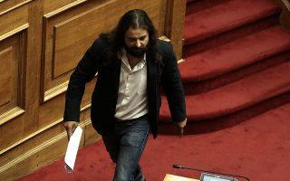 sevomai-to-syntagma-dilonei-tora-o-k-mparmparoysis0