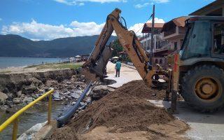 Καταστροφές μετά τα έντονα πλημμυρικά φαινόμενα από την υπερχείλιση ρεμάτων και χειμάρρων. Αίτημα να κηρυχθούν οι πληγείσες - από τις πλημμύρες των τελευταίων ημερών - περιοχές, σε καθεστώς έκτακτης ανάγκης, υπέβαλε στις αρμόδιες αρχές ο δήμος Βόλβης.