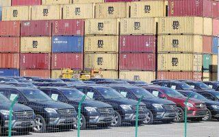Οι ΗΠΑ έχουν απειλήσει για επιβολή πρόσθετων δασμών στις εισαγωγές ευρωπαϊκών αυτοκινήτων. Οι δασμοί των ΗΠΑ σε εισαγωγές ευρωπαϊκών αυτοκινήτων ανέρχονται σήμερα σε 2,5% έναντι 10% που επιβάλλει η Ε.Ε. στις εισαγωγές αυτοκινήτων από τις ΗΠΑ.